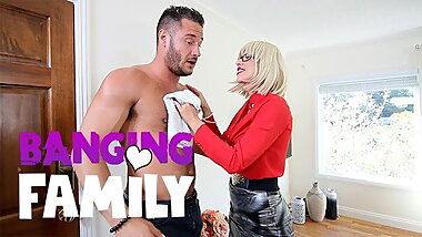 Savana Styles Help To Clean Her Older Husband's Son
