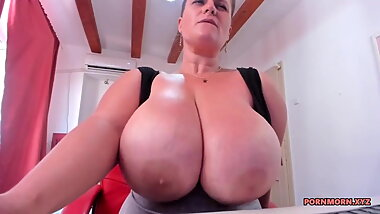 Huge boobs milf bouncing